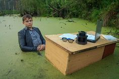 Just your average day in an office swamp. A guy from Russia has become a meme after doing a photoshoot in a swamp. Cursed Images, Having A Bad Day, Dark Souls, Look At You, Funny People, Cringe, Best Funny Pictures, Maryland, Weird