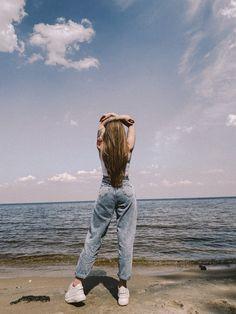 #море #лето #прогулка #фото #summer #photo #idea #vsco #wallpaper #pinterest #chill #sun Photo Ideas, Summer, Pants, Fashion, Shots Ideas, Trouser Pants, Moda, Summer Time, Fashion Styles