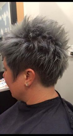 Hair silver titanium 39 ideas for 2019 - Thin Hair Cuts Short Textured Hair, Funky Short Hair, Short Grey Hair, Very Short Hair, Short Hair Styles, Thin Hair Cuts, Short Hair Cuts For Women, Razor Cut Hair, Short Spiky Hairstyles