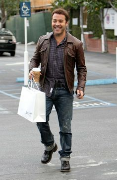 Jeremy Piven Jeremy Piven is all smiles after shopping at Fred Segal and getting into his bright green Chevy Camaro SS.