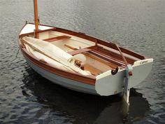 Morbic 12 / Adrian Donovan / Boatbuilder