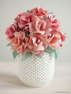 Faça Você Mesmo - Arranjo com rosas de papel