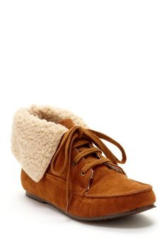 Bucco Cathy Faux Sherpa Lined Lace-Up Moccasin $25