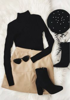 Kopf der Klasse Brauner Cord-Minirock Head of the Class Brown Corduroy Mini Skirt Mode Inspiration Stil Fashion Mode, Look Fashion, Womens Fashion, Trendy Fashion, Fashion Stores, Brown Fashion, Feminine Fashion, Classic Fall Fashion, Fashion Fall