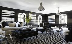 Learn how to enhance living rooms, dining rooms, bedrooms and home offices with decorative rugs. Gain insights from the 8 best interiors in the May 2015 Elle Decor. Black Floor, Luxury Interior Design, Interior Decorating, Cool Rooms, Elle Decor, Living Room Designs, Illinois, Design Ideas, Design Design
