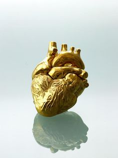 """Goldherz"" (""Gold Heart"") by Renate Hattinger (RenateHattingerKeramik @ Vespoe.com) (© 2012)"
