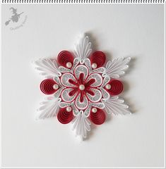 Quilling Videos, Arte Quilling, Paper Quilling Flowers, Quilled Paper Art, Paper Quilling Designs, Quilling Paper Craft, Quilling Techniques, Paper Crafts, Handmade Christmas Decorations