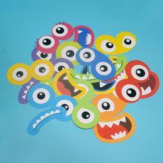 Adesivos grandes com formato dos olhos e boca dos monstrinhos. São 10 modelos diferentes! Perfeitos para enfeitar sacolas de lembrancinhas, bexigas e caixinhas!