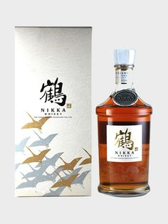 Nikka Tsuru whisky final version is the most premium vintage from Miyagikyo and Yoichi making them some of the highest quality blends around. Whiskey Drinks, Whiskey Bottle, Nikka Whisky, Japanese Whisky, Single Malt Whisky, Rice Wine, Wine Packaging, Wine And Liquor, Scotch Whisky