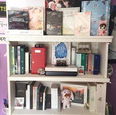 pinterest ─ bagmilk Army Room Decor, Bedroom Decor, Bedroom Ideas, Teen Bedroom Organization, Army Bedroom, Theme Bts, Aesthetic Rooms, Kpop Aesthetic, Cute Furniture