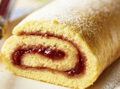 Gluten-free rolled cake: discover the cooking recipes of Femme Actuelle Le MAG - sans gluten - Dog Cake Recipe Peanut Butter, Dog Cake Recipe Pumpkin, Easy Dog Cake Recipe, Dog Cake Recipes, Quick Dessert Recipes, Breakfast Crockpot Recipes, Gluten Free Recipes For Breakfast, Homemade Cake Recipes, Quick Snacks