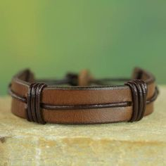 Leather Cord Bracelets, Leather Jewelry, Male Jewelry, Men's Jewelry, Jewelry Ideas, Mens Leather Wristbands, Diy Leather Gifts, Cool Mens Bracelets, Diy For Men