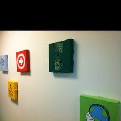 Savannah church of Christ: wall decorations made out of youth group t shirts and pizza boxes. So cool!