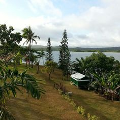 Soloviento in Lake Calirays is just 2 hours away from chaotic Manila.  It's a welcome respite of sun, water, and food.