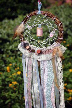 Pequeno Mundo , Meu lar: Dreamcatchers, um toque de misticismo.