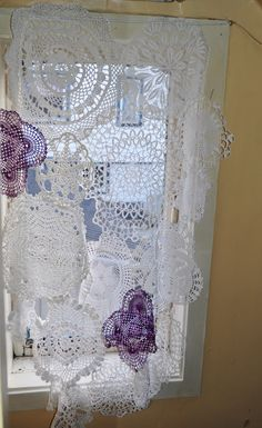 Av Susanne - doily curtain