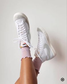 Sneaker Outfits, Converse Sneaker, Sneakers Fashion, Shoes Sneakers, Logo Nike, Aesthetic Shoes, Fresh Shoes, Hype Shoes, Trendy Shoes