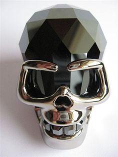 Swarovski soulmate skull for men. Oh yeah! #skull #soulmate #kysa