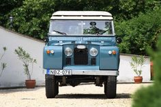 Land Rover 88 Serie II Sw safari top. The most beautiful Series for me. Lobenzo.