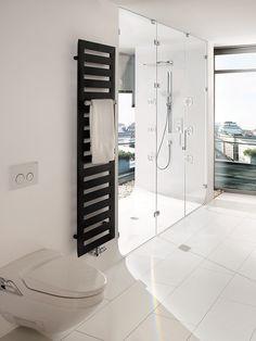 Glazen douchedeur voorzien van glazen afscheiding   badkamer inspiratie