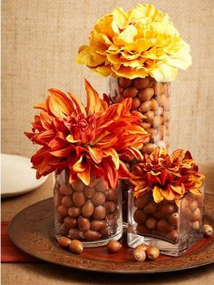 Acorn Centerpieces and Eco Accents, Fall Crafts and Thanksgiving Decorating Ideas - deko xmas - Acorn decorations, artworks, and crafts are a fabulous way to enjoy the fall season Best Picture Fo - Thanksgiving Decorations Outdoor, Acorn Decorations, Thanksgiving Diy, Thanksgiving Centerpieces, Thanksgiving Traditions, Fall Crafts, Crafts For Kids, Fall Table Centerpieces, Centerpiece Ideas