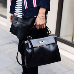 """880 mentions J'aime, 7 commentaires - Vestiaire Collective (@vestiaireco) sur Instagram : """"And so to #Paris, fashion's final destination. Editor and consultant Virginie Dhello shares her…"""""""