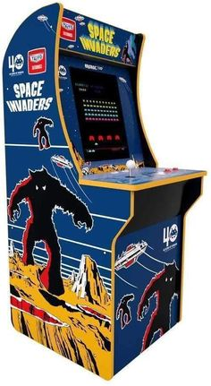 Home Theater Room Design, Home Theater Rooms, Arcade Game Machines, Arcade Machine, Vending Machines, Space Invaders, Retro Arcade Games, Arcade Game Room, Man Cave Room