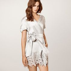 Dear Bowie Zoe Robe for the Bride to Be!  Platinum color silk charmeuse robe is heaven! @shopjournelle @waresthemore