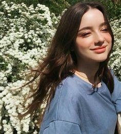 Image may contain: 1 person, tree, outdoor, closeup and nature Ulzzang Korean Girl, Cute Korean Girl, Beautiful Girl Image, Beautiful Eyes, Girl Pictures, Girl Photos, Fake Girls, Cute Girl Photo, Cute Beauty