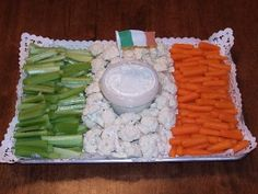 Irish Flag veggie tray - a fun and healthy treat while you study Expedition Ireland!