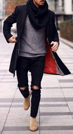 39 Comfy Winter Coats Outfit Ideas For You Who Want To Look Cool - Winter season is fast approaching. And people are now turning into winter apparel to keep them warm during these cold months. Winter coats are somethi. Gentleman Mode, Gentleman Style, Schwarzer Mantel Outfit, Black Coat Outfit, Winter Coat Outfits, Mens Winter Coat, Winter Coats, Streetwear, Black Overcoat