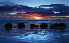 Moeraki Boulders Nova Zelandia | MOERAKI, Koekohe Praia, Otago, Nova Zelândia, por do sol, nuvens ...