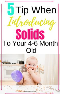 Is your baby ready to start eating solids? baby led weaning can seem very overwhelming. To help you know how to do baby led weaning at 6 months old click this pin now! #babyledweaningstarting #babyledweaningage #babyledweaning4months