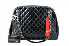 CHANEL Just Mademoiselle Large Patent Bowler Satchel Handbag Orijinal ikincl el çantalarınız alınır-satılır. 02163805071 Satchel Handbags, Chanel Handbags, Luxury Bags, Watches, Wrist Watches, Tag Watches, Watch, Chanel Bags, Channel Bags