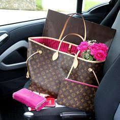Cheap LV Bags #Christmas #gifts#Louis Vuitton Outlet Artsy Is Your Best Choice�
