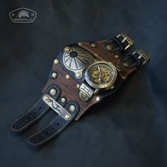 Cool Watches, Watches For Men, Leather Gifts For Her, Crystal Resin, Leather Design, Leather Belts, Leather Accessories, Leather Working, Vintage Leather