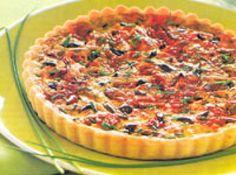 Receita de quiche de tomate seco e azeitonas - quiche com o recheio preparado e asse na parte baixa do forno médio (180 c) por cerca de 40 minutos. Sirva a quiche morna ou fria. Massa Folhada...