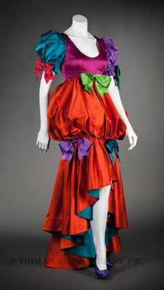 1992 - Evening gown by Moschino Couture! Modern Fashion, Vintage Fashion, Rose Violette, Masquerade Costumes, Turquoise, Historical Clothing, Costume Design, Couture Fashion, Fancy Dress