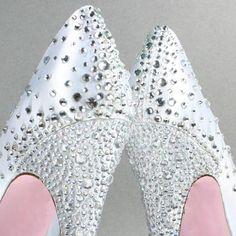 Dress up your custom wedding shoes with a rhinestone starburst design starting from the heel cup! (www.elliewren.com) #customweddingshoes #rhinestoneshoes #starburstshoes
