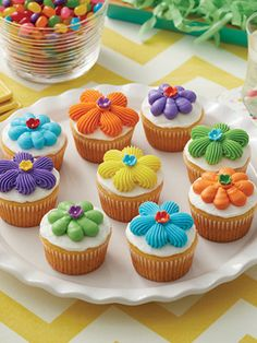 These spring Flower Power Cupcakes are perfect for Easter, birthday parties and other spring celebrations. Mix and match colors to your liking to create treats that are perfectly suited to your party. We'll show you exactly how to decorate these sweet treats to look like perfect flowers and even give you tips on frosting and tinting. Get baking supplies and all the ingredients you need for delicious desserts at Walmart.