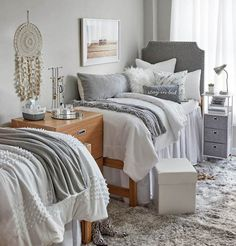 Brilliant Dorm Room Organization Ideas To Inspire Your Dorm Room Remodel Boss Babe Room dormify Babe cave. Get your girls together in this comfy room with a ton of personality. College Bedroom Decor, Cool Dorm Rooms, Room Ideas Bedroom, College Dorm Rooms, Preppy Dorm Room, Bedroom Office, Cozy Bedroom, Ikea Hacks, Closet Interior