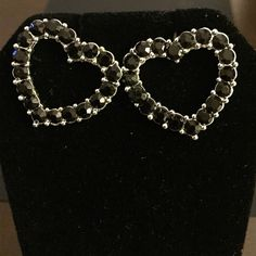 🆕Black Gem Heart Earrings 4/$10 or $8 New with out tags. NEVER WORN. A stunning piece of jewelry to add to your collection.   I do not trade please don't ask• I will consider reasonable offers•please be courteous of the $2.95 fee.  Depending on the light, colors may look lighter or darker in photos. Jewelry Earrings