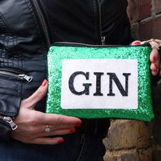 Are you interested in our Gin lovers glitter clutch bag? With our Gin label bag handmade accessory you need look no further.