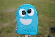 bloo popsicles--gotta track down ice cream carts selling this!!