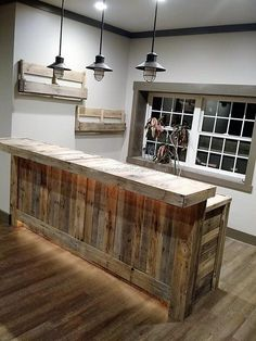 Ideas Pallet pallet-bar-and-bottle-racks - The creative people know how to use the recycled wood pallets to inspire others with their creation, nothing is better than the furniture that is. Bar Pallet, Pallet Bench, Palet Bar, Pallet Wood, Pallet Counter, Counter Counter, Pallet House, Pallet Patio, Home Bar Designs