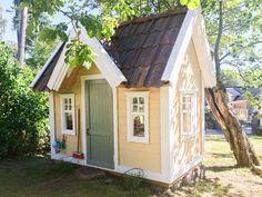Playhouse and playhouses from swedish playhouse company Lektema Bollstanas