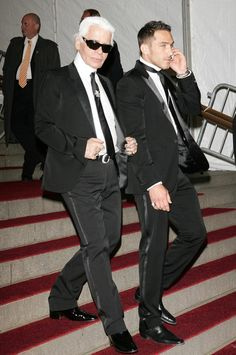 "Karl Lagerfeld Photos - Designer Karl Lagerfeld leaving The Metropolitan Museum of Art's Costume Institute Gala May 2007 in New York City. - MET Costume Institute Benefit Gala Presents ""Poiret: King Of Fashion"" Art Costume, Costumes, Costume Institute, Creative Director, Karl Lagerfeld, Pants, Fashion Design, Chanel, Trouser Pants"