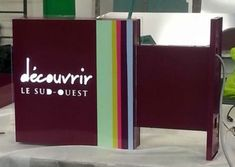 Réalisations Lyon, Magazine Rack, Storage, Applique Letters, Illuminated Signs, Flag, Purse Storage, Larger, Store