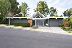 Double Gable Eichler Remodel by Klopf Architecture (1)