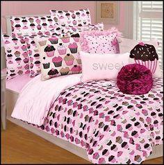 Cupcakes Comforter Set-fun Cupcakes theme bedroom decorating. Cupcake Bedroom Decor